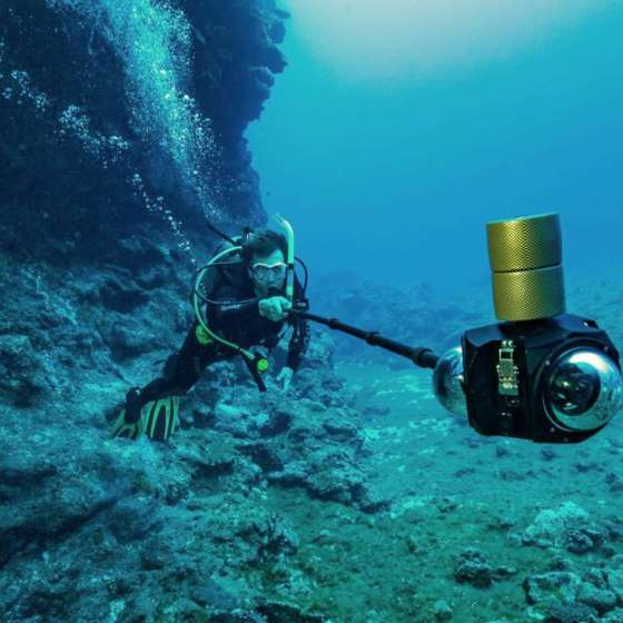 Boxfish 360 being used by a diver
